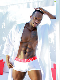 Hot ebony athlete Justin naked outdoors